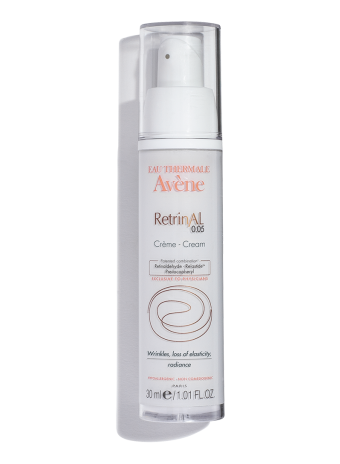 RetrinAL 0.05 Cream, conceals wrinkles and firms and plumps skin. For anti-aging routines.